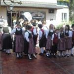 d`Volkstanzgruppe beim Perlesreuter Drescherfest, Bild 4137