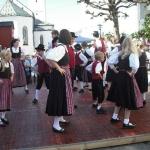 d`Volkstanzgruppe beim Perlesreuter Drescherfest, Bild 4146