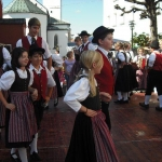 d`Volkstanzgruppe beim Perlesreuter Drescherfest, Bild 4139
